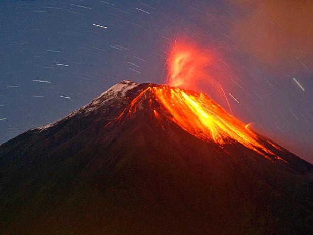 Vulcão Tungurahua no Equador 3